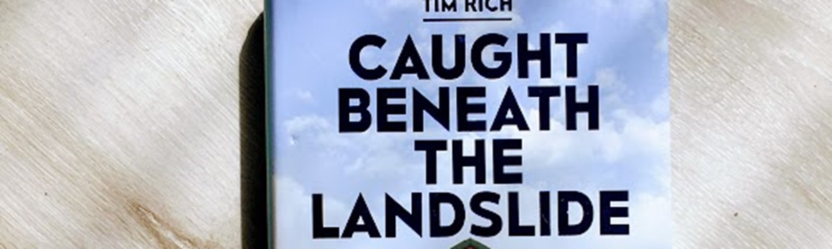 Anmeldelse: Caught Beneath the Landslide